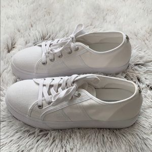 NWOT Steve Madden White Shoes